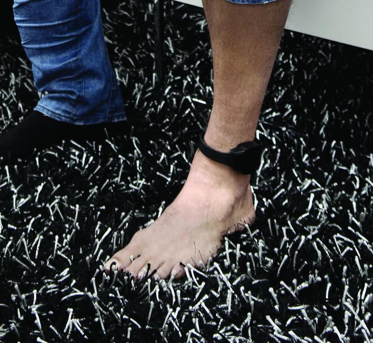 L'homme a fui le contrôle d'alcoolémie alors qu'il était sous bracelet électronique © AFP
