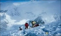 Deux Néo-zélandais portés disparus sur le K2, arrêt des recherches pour trois Espagnols