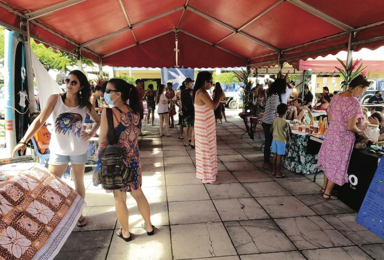 La journée de sensibilisation s'est tenue sur la place du marché de Uturoa.