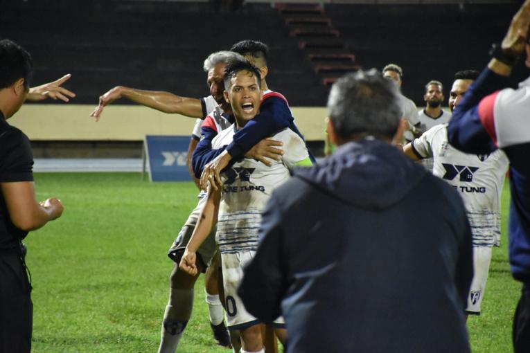 Comme bien souvent pour Vénus, la lumière est venue de Teaonui Tehau. Filou a notamment inscrit un magnifique coup-franc en prolongation pour offrir la Coupe et une participation en Coupe de France pour son équipe.