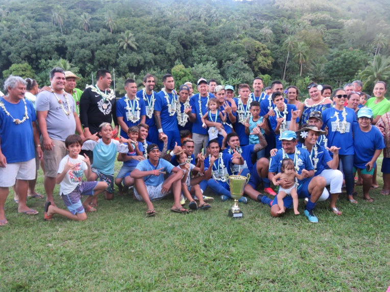 Les joueurs de Haapiti ont réalisé une superbe fin de saison en s'offrant les deux Coupes à Moorea.
