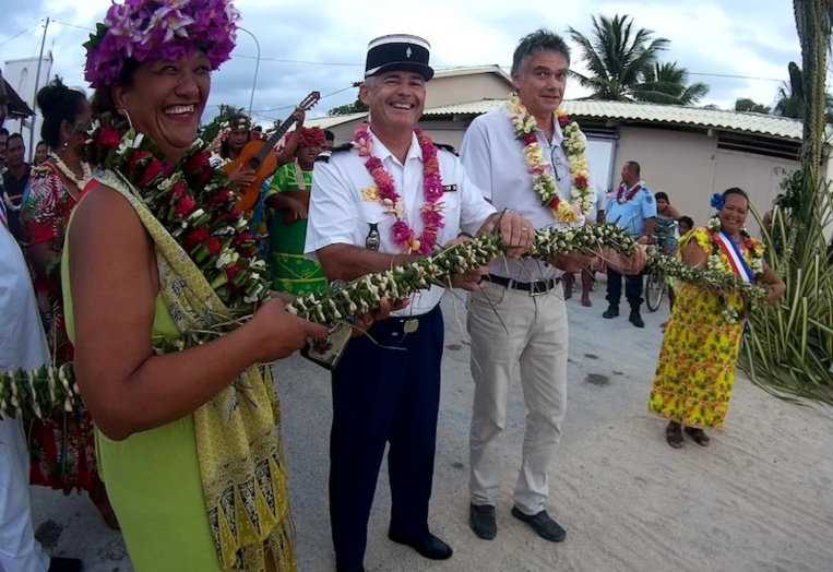 Les festivités ont été inaugurées par le major Marc Graciet, commandant de la brigade de gendarmerie de Hao et Jean-Philippe Ritzler, proviseur du collège.