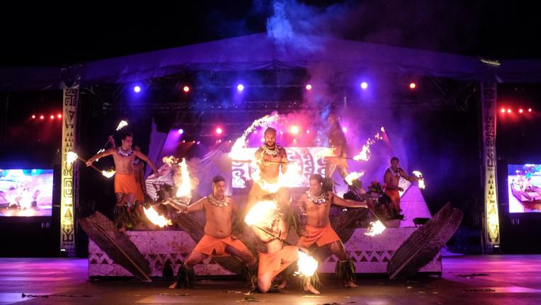 Les danseurs du feu ont fait le spectacle.