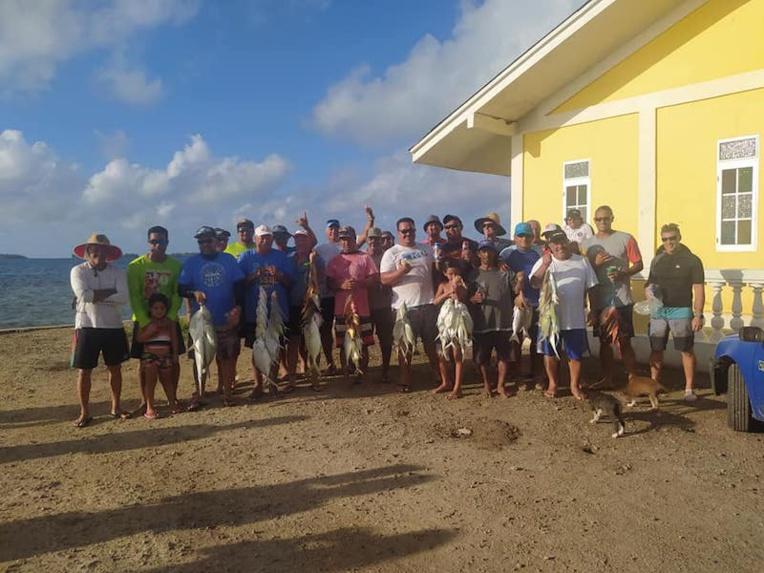 Philipi Teriiharua remporte le dernier concours de pêche lagonaire