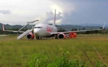Indonésie : un avion percute une vache et sort de la piste