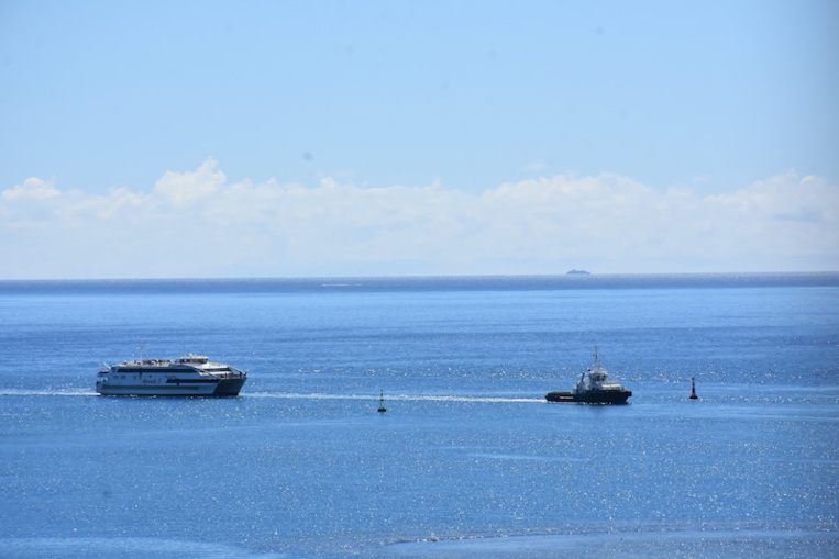 L'Aremiti 5 tombe en panne entre Tahiti et Moorea
