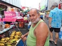 Ambiance et Couleurs du marché de Papeete, le dimanche matin.