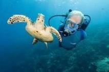 Jean Michel Cousteau dans les îles samoanes Swain