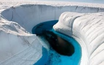 Découverte d'un canyon géant sous les glaces du Groenland