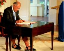 Le Président fidjien signe et promulgue la nouvelle Constitution