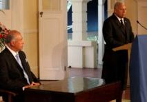 Le Président fidjien et son Premier ministre, le Contre-amiral Franck Bainimarama, vendredi.