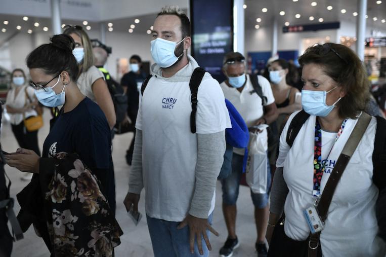 300 professionnels de santé envoyés aux Antilles, 10 en Polynésie