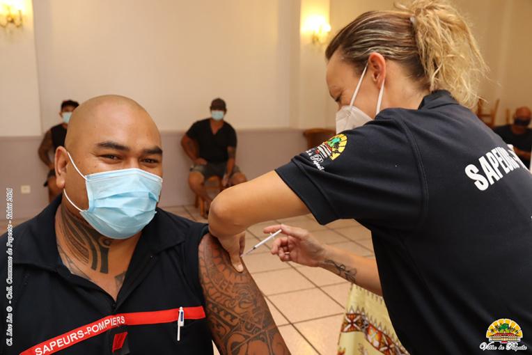 Les pompiers et policiers de Papeete se vaccinent