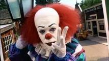 GB: un mystérieux clown fait trembler Northampton et enthousiasme la toile