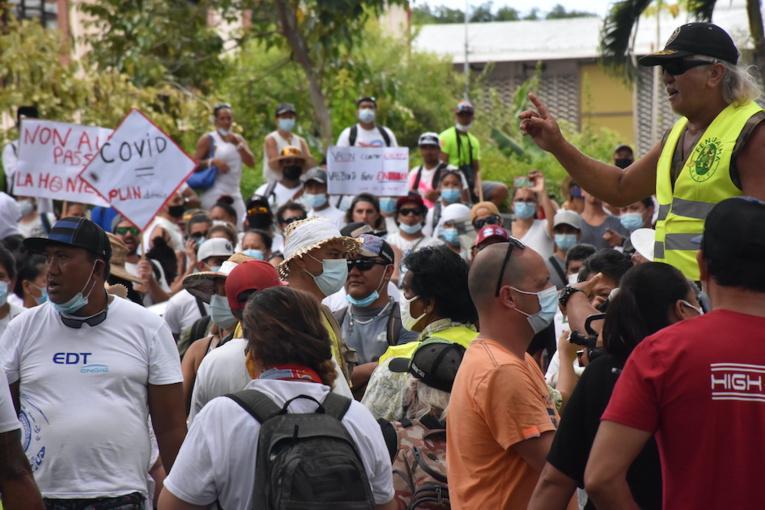 2 500 manifestants dans la rue contre l'obligation vaccinale