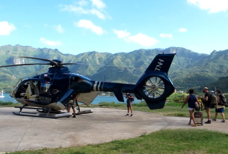 En l'espace d'un an, l'hélicoptère des Marquises a démontré son utilité au niveau des évacuations sanitaires comme des liaisons interîles.