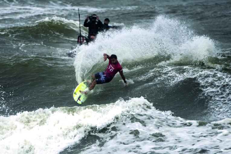Michel Bourez lors des Jeux olympiques de Tokyo en juillet. (photo : Olivier Morin / AFP)