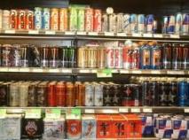 Les risques pour la santé des boissons énergisantes : un rapport attendu mardi