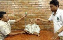 Un Népalais de 41 cm réclame le titre de plus petit homme