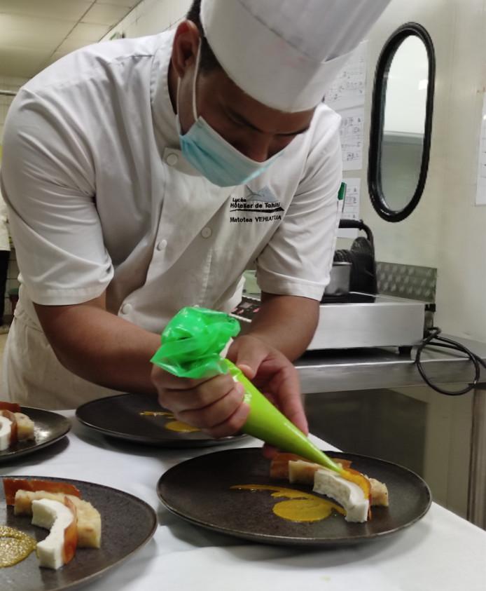 Maotea Vehiatua est engagé dans la catégorie dessert de restaurant.