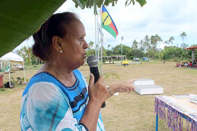 Oscar Temaru rend hommage à la veuve de Yeiwene Yeiwene