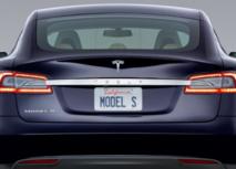 Voiture électrique: un incendie sur une Tesla révèle les risques du secteur