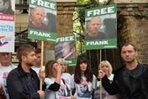 Greenpeace : Jude Law et Damon Albarn parmi les manifestants à Londres
