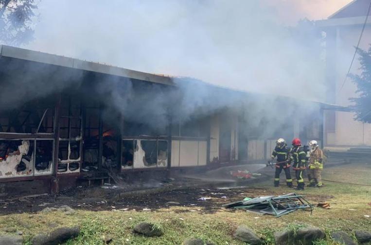 Un incendie détruit un local d'archives à Pirae