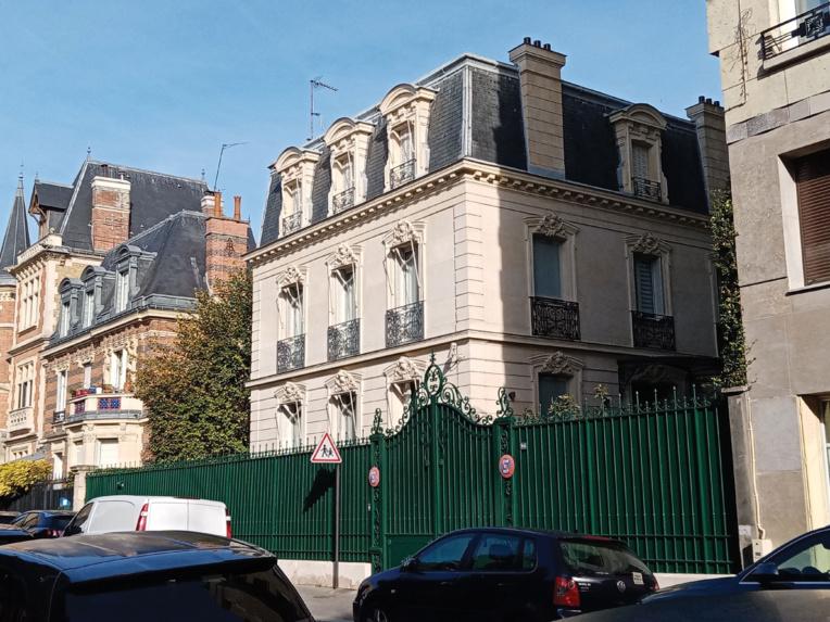 L'hôtel particulier de la rue du Ranelagh dans le très chic 16è arrondissement. Photo : Julien Sartre