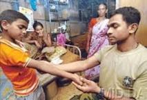 Inde : grâce à un tatouage, un policier retrouve sa famille 24 ans après