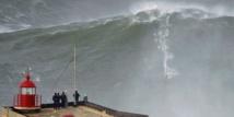 Les surfeurs de vagues géantes de retour au Portugal