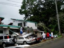 Les opérations de nettoyage ont déjà commencé à Palau après le passage du cyclone Haiyan le matin du 7 novembre 2013. Crédit photo : Antenne des Nations-Unies à Palau)