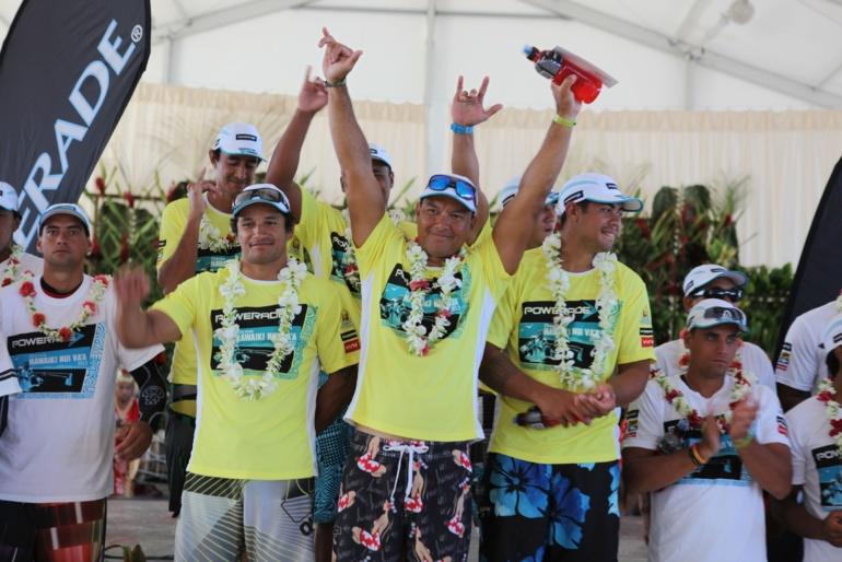Hawaiki Nui Va'a: Paddling Connection gagne la 3ème étape et entre dans l'histoire