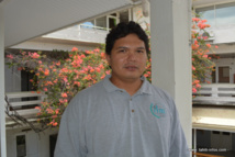Limb  K. Hapairai, jeune docteur en entomologie. Après sa thèse effectuée à l'Institut Louis Malardé de Tahiti durant ces trois dernières années, il va rejoindre l'Australie pour un cursus de post doctorant pour deux ans.