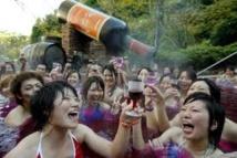 Un bain de Beaujolais Nouveau, rien de tel pour la peau, espèrent les Japonais