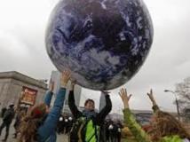 Climat: les négociations au coeur de la nuit à la conférence de Varsovie