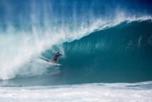 Surf- Billabong Pipe Master. Slater remporte le Pipe, Fanning est champion du monde, une deuxième victoire pour John John Florence sur la Triple Crown.