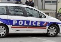 Caché dans une voiture, un fuyard se retrouve... dans une école de police