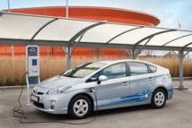 Les ventes de véhicules électriques et hybrides ont bondi en France en 2013