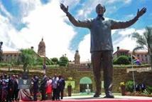 On va retirer un lapin de l'oreille de Mandela