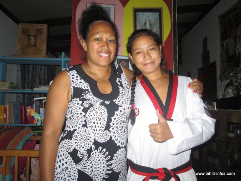 Jasmine Arnaud aux côtés de sa mère Maeva. Cette dernière a toujours soutenu sa fille.