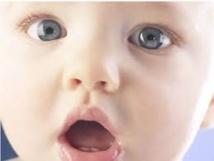 Parler aux bébés comme à des adultes stimule leur intellect