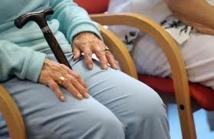 Rester trop longtemps assis accroît le risque de handicap des personnes âgées