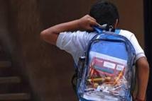 Argentine: face à la violence, cartables transparents au collège de Montecarlo
