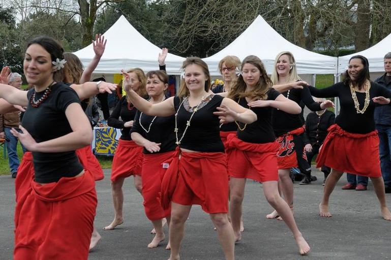 Une inauguration célébrée avec des danses tahitiennes (Crédit photo : Team Marara Va'a)