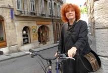 """Décès de l'écrivaine Régine Deforges, auteur de """"La bicyclette bleue"""""""
