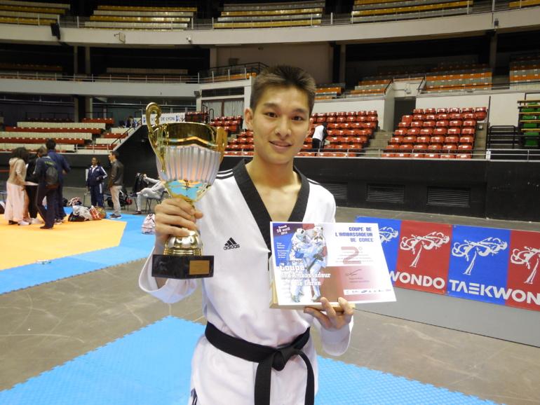 Teddy TENG Médaille d'argent de la Coupe de l'Ambassadeur de Corée 2014