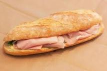 Un sandwich au jambon, fromage et cocaïne
