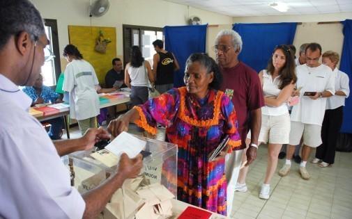 La Nouvelle-Calédonie tient dimanche des élections provinciales cruciales et incertaines