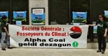 Occupation de la Société générale à Bayonne contre un projet de mine en Australie